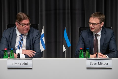 Finnish Foreign Minister Timo Soini and Estonian Foreign Minister Sven Mikser
